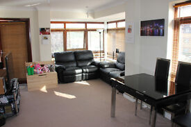 Two bed room, 1st floor flat to rent in Edgware. Suitable for profressionals or young family