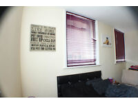 *OK COUPLES AND IMPRESSIVE DOUBLE ROOM IN ALDGATE EAST