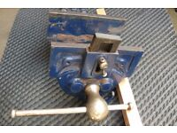 Bench vice, healthy 7-inch width Jaws, with dog, Quick-release mechanism