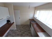 AVAILABLE TODAY. 2 BEDRROM FLAT in the HEART of HARROW. SUIT PROFESSIONAL Sharers, FAMILY, Train &