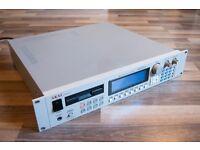 AKAI S3000XL SAMPLER maxed out memory 32mb, scsi , individual analog outs , digital outs , OS 2.0