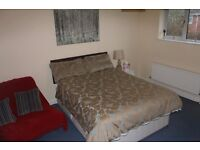Large double room to rent in Sarisbury Green for £430pm. £380pm if needed for Mon to Fri.