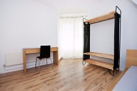 Modern, large double room with private balcony available in Oval*
