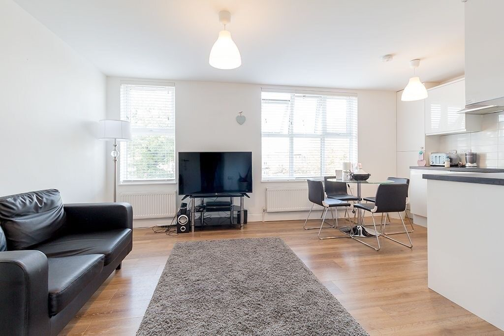 Spacious 1 Bed Apt in Victorian Conversion