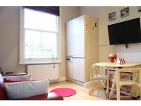 STUDIO DOUBLE BED IN NOTTHING HILL GATE // FROM 315 £ PER WEEK // MOVE IN TODAY