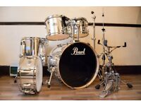 PEARL EXPORT EX SERIES DRUM KIT in Mirror-Chrome. Bass , snare , rack toms , floor tom with extras