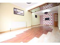 LUXURY FOUR BED & TWO BATHROOM HOUSE WITH GARAGE & PARKING- HEATHROW CRANFORD HOUNSLOW HESTON