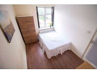 DoubleRoom available in Big house 2 Bathrooms H&C and District line station Plaistow 150PW