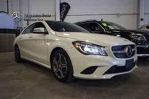 2014 Mercedes-Benz CLA250 4MATIC Navi & Premium w/Driving Assist