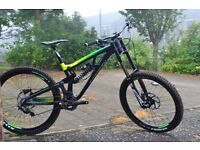 Saracen Myst Downhill Mountain bike 2016 Virtually new (2 hours of riding)