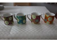 Maxwell and Williams set of 4 stackable mugs - design 'Garden Party'