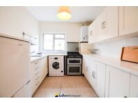 3 bedroom flat, spacious and bright interior, a minutes walk to willesden green station