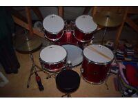 Gear4Music 5 Piece Beginner drum kit + extra cymbal
