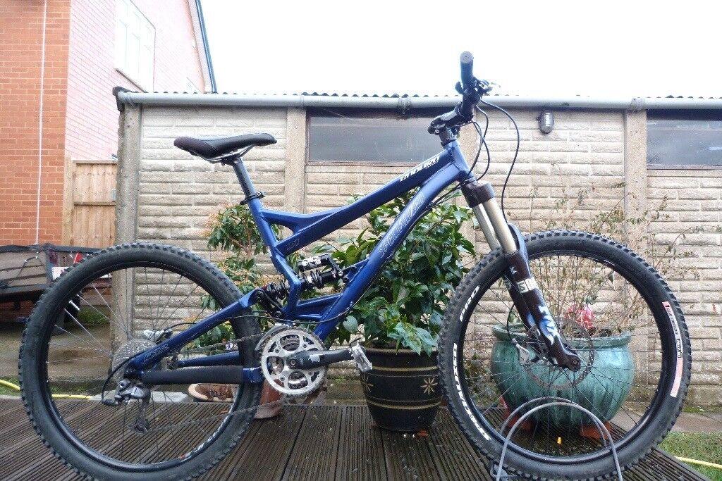 Specialized Enduro Expert Mountain XC Bike 18\