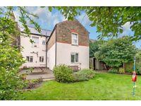 Huge THREE bedroom GARDEN flat in Walm Lane, Willesden Green NW2, £575 pw