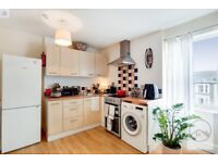 SW16 5LH - KEMPSHOTT ROAD - A STUNNING 1 BED SEMI SELF CONTAINED FLAT WITH ON STREET PARKING
