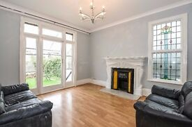 *** A bright and spacious four double bedroom house, Park Avenue South, N8 ***