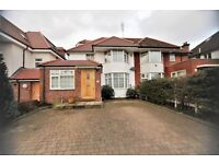 5 bedroom house in The Vale, Golders Green, NW11