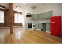 Studio flat in Ferdinand Street, Camden