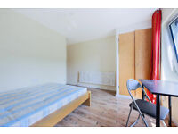 3 bedroom newly refurbished flat in zone 1 SE1 available now with no lounge.