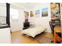 *** Self Contained Studio Flat in MORNINGTON CRESCENT ***