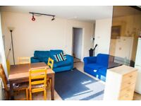 Room to rent: 2 double bedrooms, lounge, kitchen, near station, communal garden
