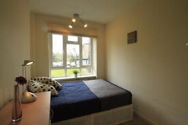 LOVELY DOUBLE ROOM FOR A SINGLE USE TO OFFER IN KILBURN CLOSE TO THE TUBE STATION. 4T