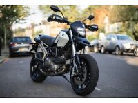 DUCATI HYPERMOTARD 796 / 803cc / black and white / 2012 /9050 miles
