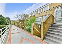 SPACIOUS FOUR BEDROOM, THREE BATHROOM MAISONETTE CLOSE TO OVAL STATION! £650 P/W! AVAILABLE NOW!