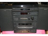 Sony Compact Hi-Fi Stereo System, D108CD. With Turntable
