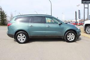 2009 Chevrolet Traverse LT, Leather, Dual Sunroof, DVD, 7 Pass