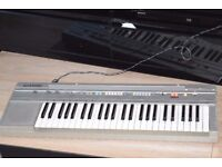 CASIO CT-350 CASIOTONE KEYBOARD/POWER ADAPTER/CAN BE SEEN WORKING