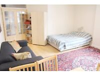Very Large Double bedroom in Kingston