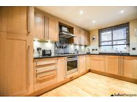 Stunning riverside three bed town house - Rotherhithe - Available Now - Parking- Call ASAP to view!