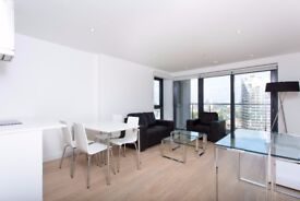 ** AMAZING DOCKS VIEW 2 BED 2 BATH MODERN APARTMENT WITH BALCONY AND GYM IN CANARY WHARF, E14 - AW