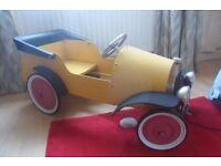 Vintage like 'Brum' metal pedal car