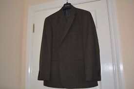 Gents two piece suit in Grey.