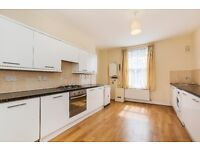 Superb bright & newly decorated One Double Bedroom Apartment on Oakley Road, Islington, N1