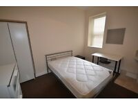 Double room in newly renovated 6 bedroom student house