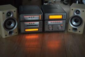 SONY 5CD/RADIO/MINIDISC/AUXIN PLAYIPODPHONE/190W CANBE SEENWORKING