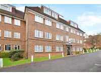 A lovely three bed furnished flat with communal gardens and parking close to West Finchley Station