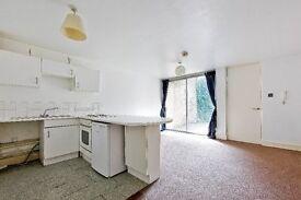 1 Bedroom Apartment Close to Deptford Bridge DLR - SE8
