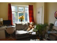 2 bedroom flat in Wilson Street, Wallsend, NE28 (2 bed) (#1175651)