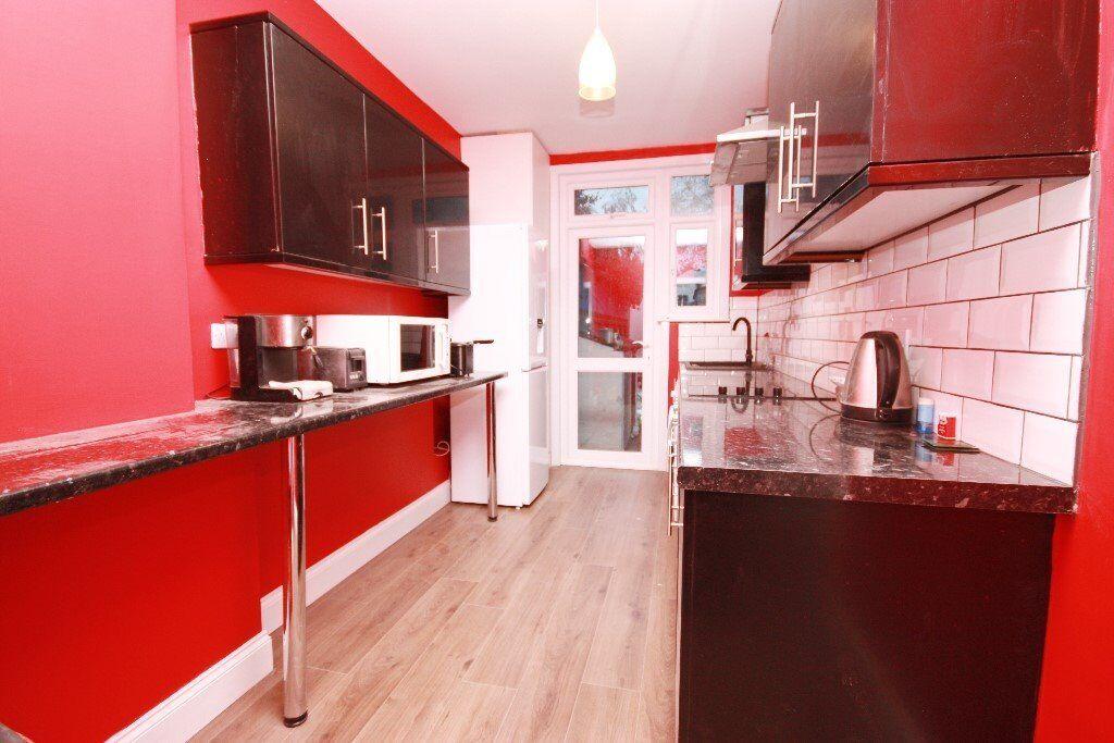 4 BEDROOM HOUSE, WESTERN AVENUE, NORTH ACTON, W3