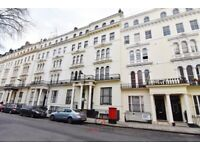 We are happy to offer this mezzanine studio apartment in Bayswater, Kensington Gardens Square, W2.