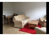 SINGLE room in Barnet. Apartment to share with 1 PERSON ONLY.