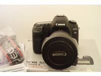 Canon 5d ii with 24-105mm Lens Digital SLR only 4200 shutter releases.