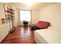 Beautiful Bedsit, Cable Street, Aldgate East, E1