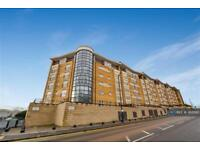2 bedroom flat in Fusion 8, Salford, M5 (2 bed)