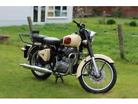 2014 Royal Enfield Classic EFI 499cc! Extras: Crash bar, Pillion Seat, Sissy bar and luggage rack!